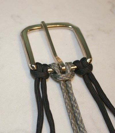How to braid a braided belt. Paracord Belt - Step 3