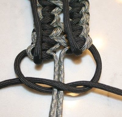 How to braid a braided belt. Paracord Belt - Step 6