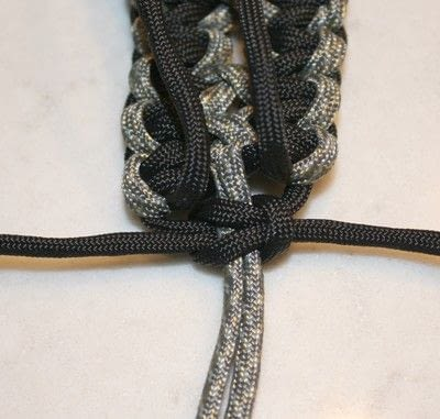 How to braid a braided belt. Paracord Belt - Step 8