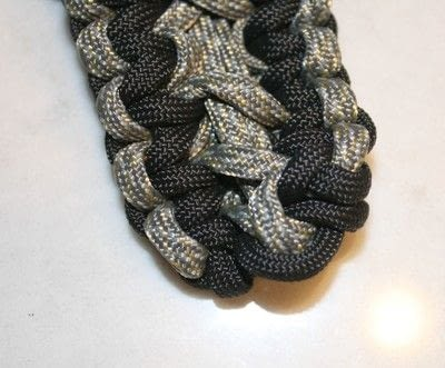 How to braid a braided belt. Paracord Belt - Step 12