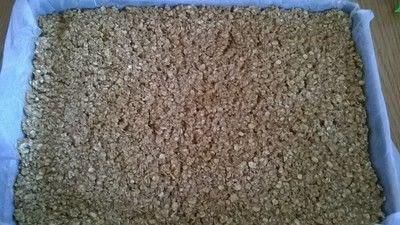 How to bake an oat bar. Peanut Butter Oat Bars - Step 5
