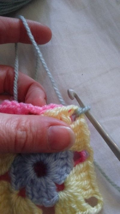 How to crochet a granny square. How To Join With A Double Crochet - Step 2