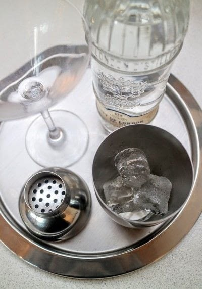 How to mix a martini. Breakfast Martini - Step 1
