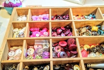How to make a corkboard. Button Gallery - Step 4