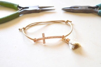 How to make a bracelet. Baptism Favors (bracelets) Diy! - Step 4