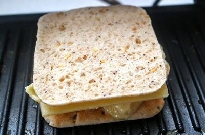 How to grill a sandwich. Mac N Cheese Grilled Cheese - Step 9