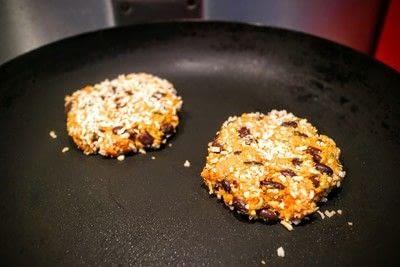 How to cook a bean burger. Black & Blue Burgers - Step 7