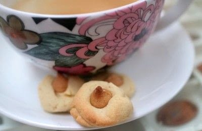 How to bake a thumbprint cookie. Thumbprint Cookies - Step 5