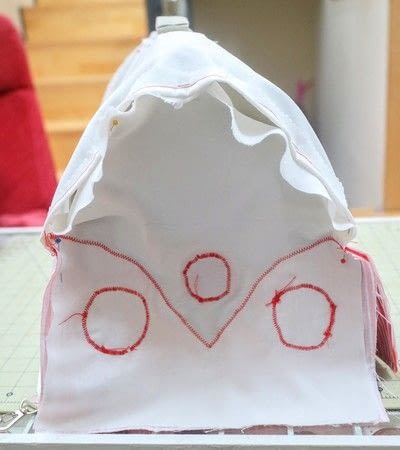 How to make a pet accessory. Campervan Cat Carrier - Step 21