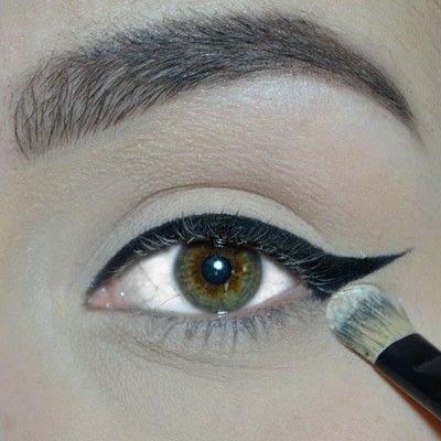 How to create a winged eye look. Winged Eyeliner Tutorial - Step 5