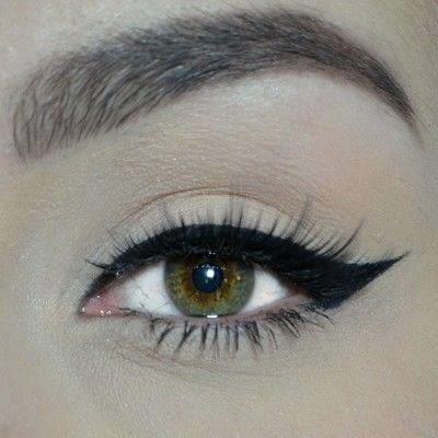How to create a winged eye look. Winged Eyeliner Tutorial - Step 6