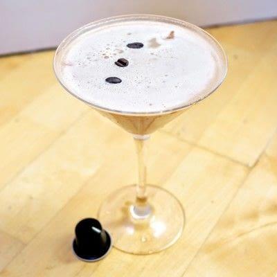 How to mix an Espresso Martini. Nespresso Martini - Step 6