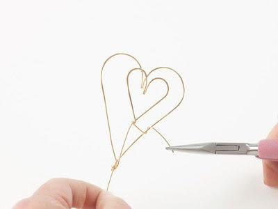 How to make a wire wrapped pendant. Solid Heart Pendant - Step 4