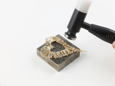 How to make a wire wrapped pendant. Solid Heart Pendant - Step 7