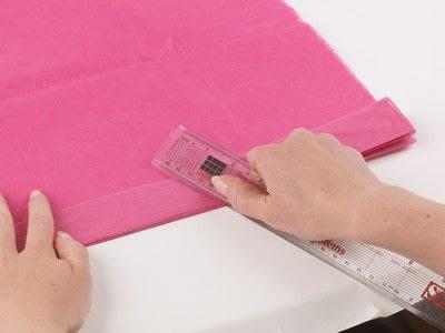 How to make a pom pom decoration. Paper Pompoms - Step 3