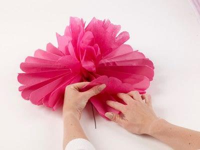 How to make a pom pom decoration. Paper Pompoms - Step 7