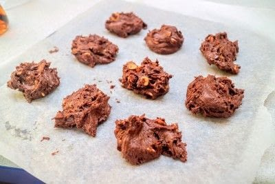 How to bake a chocolate chip cookie. Peanut Butter Chip Cookies - Step 6