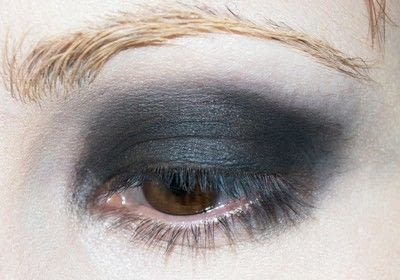 How to create a red eye makeup look. Shirley Manson: The Makeover - Step 1