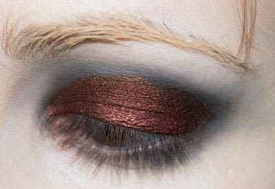 How to create a red eye makeup look. Shirley Manson: The Makeover - Step 2