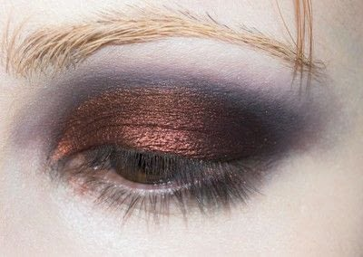 How to create a red eye makeup look. Shirley Manson: The Makeover - Step 3