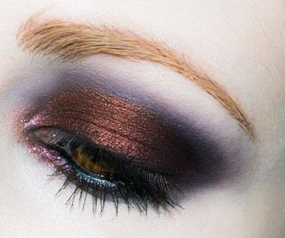 How to create a red eye makeup look. Shirley Manson: The Makeover - Step 5