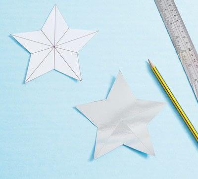 How to make a garland. Scored Stars - Step 2