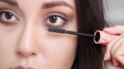 How to create a natural eye makeup. Cara Delevigne Natural Bronze Makeup Tutorial  - Step 8