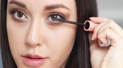 How to create a natural eye makeup. Cara Delevigne Natural Bronze Makeup Tutorial  - Step 13
