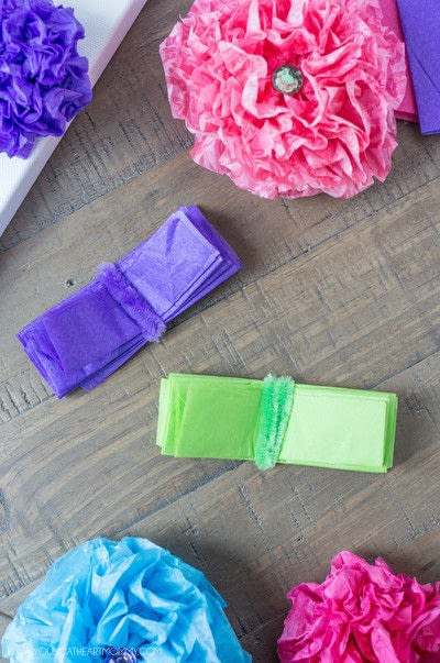 How to make wall decor. Tissue Paper Flower Bouquet Canvas - Step 3