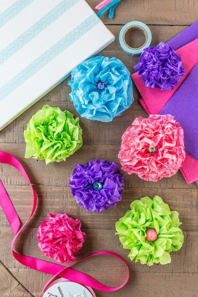 How to make wall decor. Tissue Paper Flower Bouquet Canvas - Step 5