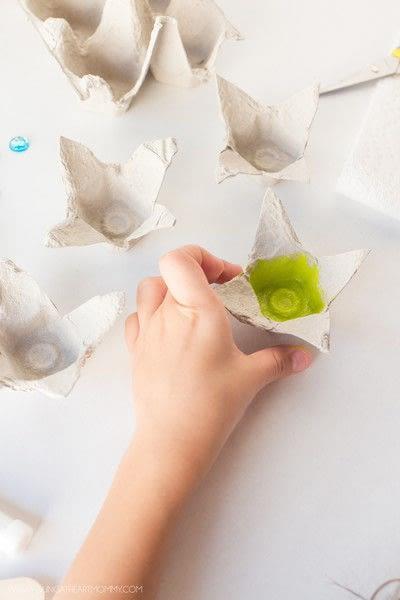 How to make a flowers & rosettes. Egg Carton Flowers - Step 2
