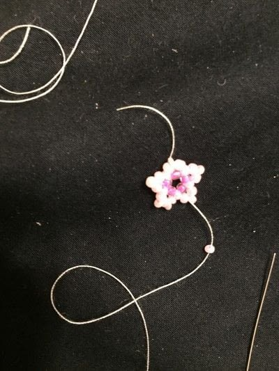 How to make a beaded charm. Beaded Cherry Blossom Tutorial - Step 7