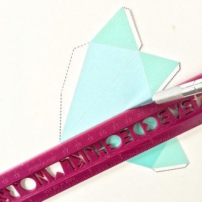 How to cut a piece of papercutting. Scoring - Step 3