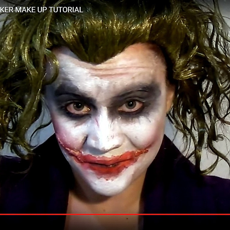 Joker Wig And Face Paint 32