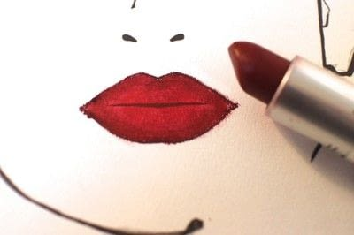 How to paint an ombre lip. Ombre Red Lips - Step 4