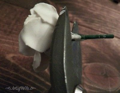How to mold a clay flower. Plaster Of Paris Flowers - Step 4