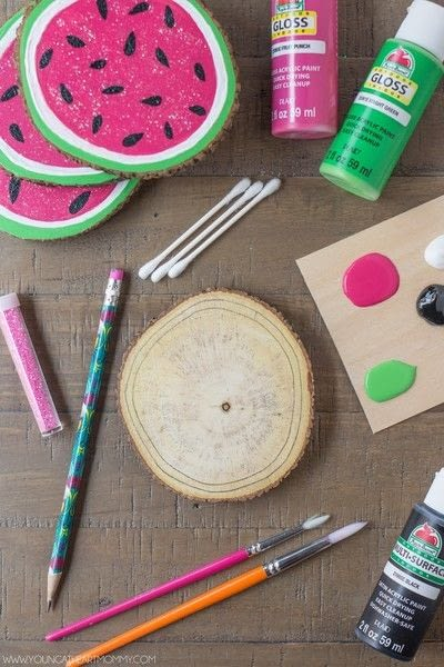 How to paint a painted coaster. Wooden Watermelon Coasters - Step 2