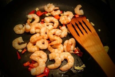 How to cook a linguine. Lemon Pepper King Prawn Linguine - Step 2