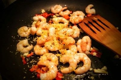 How to cook a linguine. Lemon Pepper King Prawn Linguine - Step 3