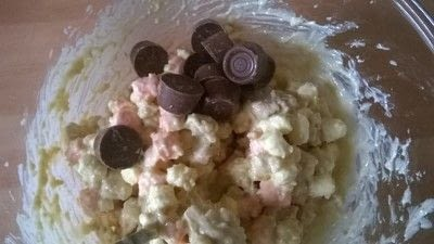 How to bake a rocky road bar. White Chocolate Rolo Rocky Road  - Step 4