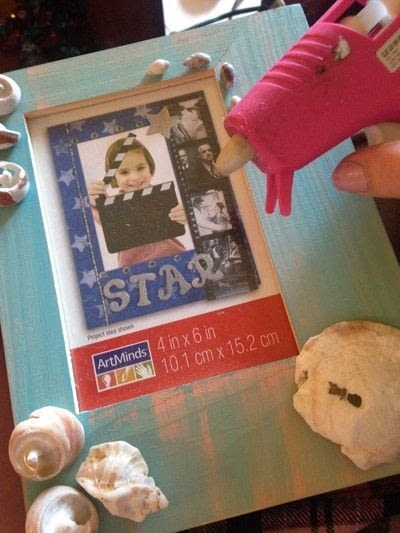 How to decorate an embellished photo frame. Beachy Frame - Step 3