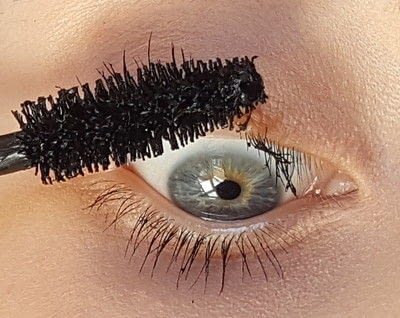 How to makeover your eyelashes. How To Have Natural Long Lashes - Step 1