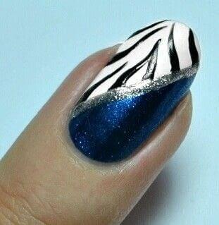 How to paint an animal print nail. Zebra Nail Art  - Step 4