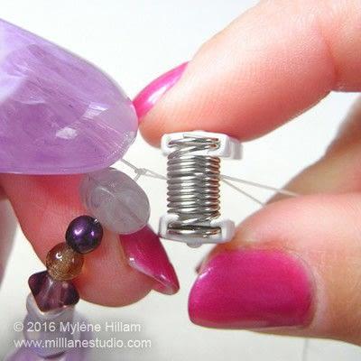 How to make a bracelet. Orchid Stretch Bracelet - Step 6