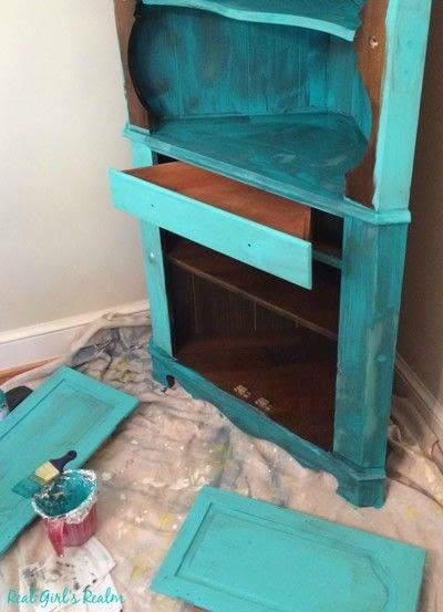 How to make a cupboard / closet. China Hutch Makeover - Step 1