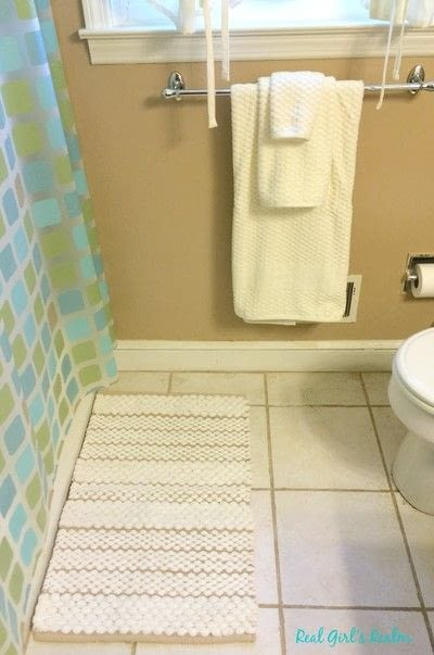 How to make a bathroom project. Weekend Guest Bathroom Mini Makeover - Step 3