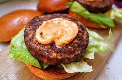 How to cook a veggie burger. Meat Free Byronaldo - Step 6