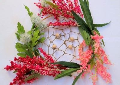 How to make a floral wreath. Flower Wreath Catcher - Step 13