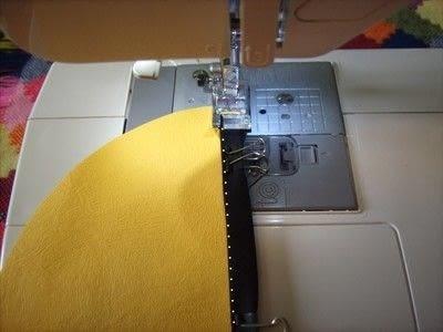 How to make a novetly bag. Novelty Purse  - Step 16