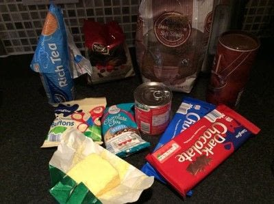 How to bake tiffin. Tasty Chocolate Tiffin - Step 1